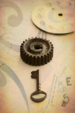 文字盤と鍵コラ写 2012