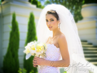How to Accessorize Your Wedding Gown