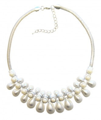 White Shimmer Necklace