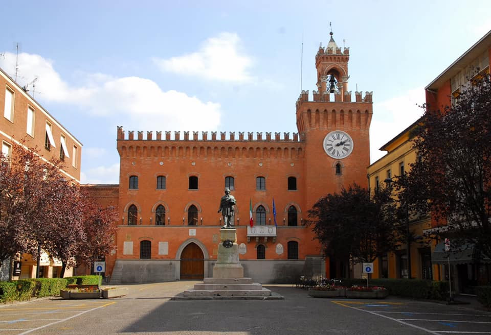 Piazza Filopanti, Budrio