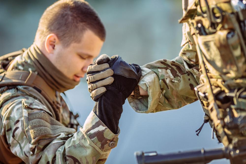 twc-soldier-hands