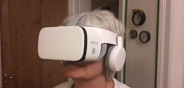 VR-brille-paa-hoved.jpg