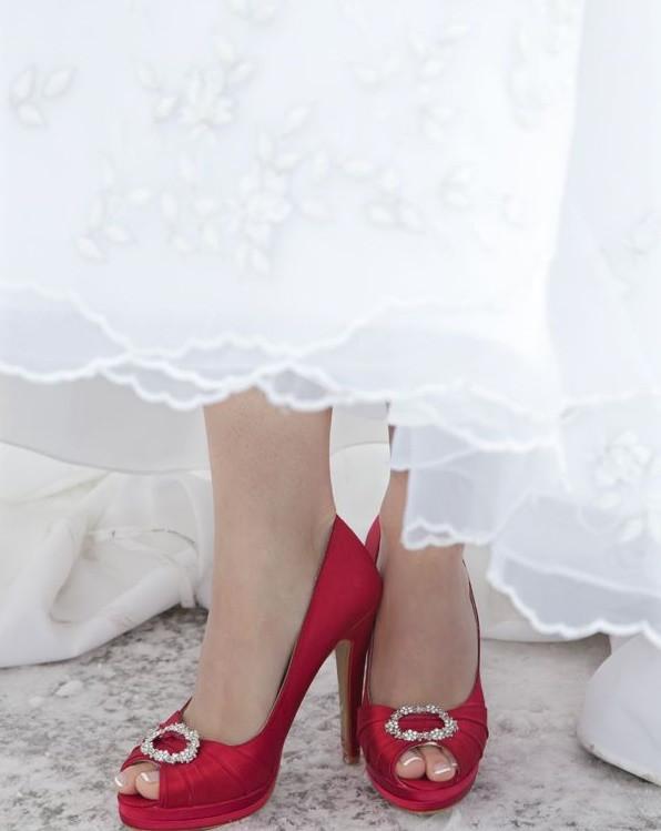 red shoes - robe de mariee.jpg