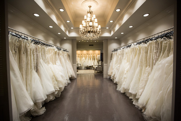 Wedding-Dress-Shopping-Tips.jpg