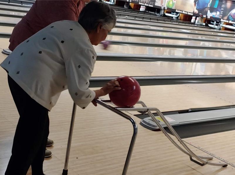 Stella 84  Bowling
