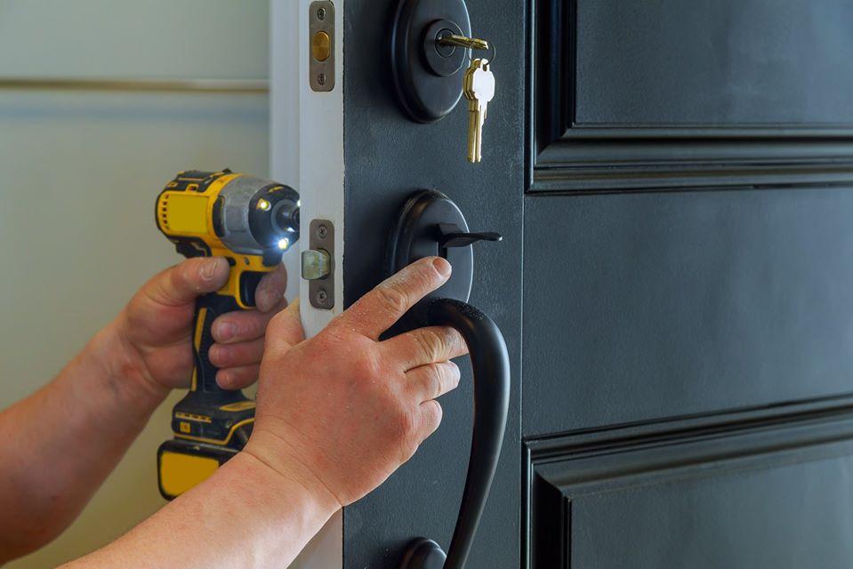 Roadrunner Lock and Key Rekeying door lo