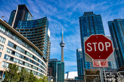 CN Tower Toronto - Emilien Grn Photograp