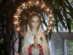 Mother Mary Rosa Mystica statue