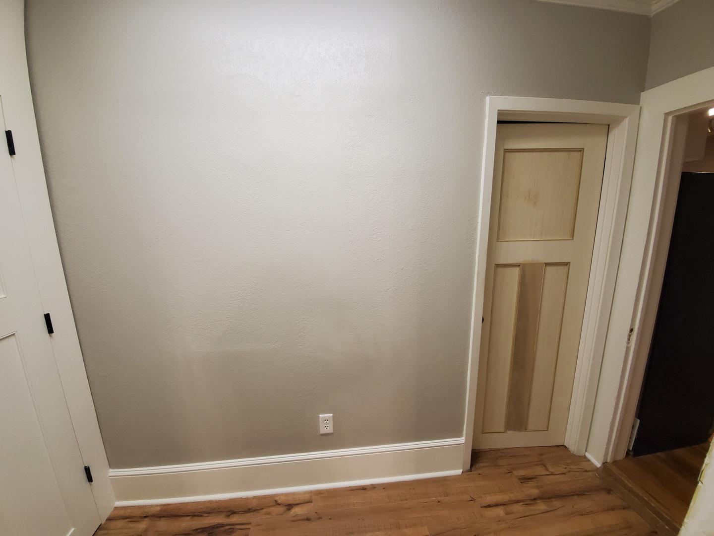 hallway002_05.jpg