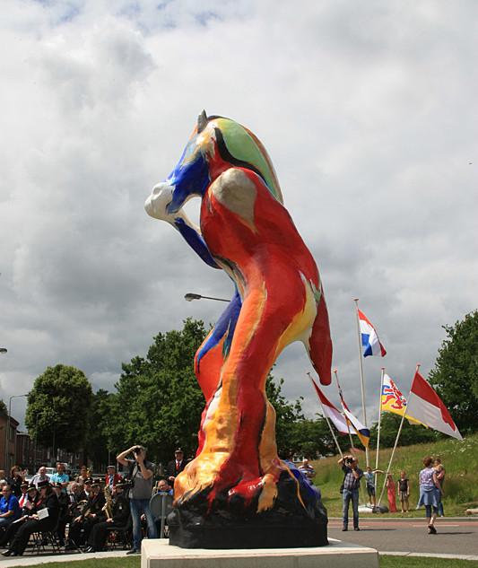 Vottekletsjer - Sculptuur op rotonde Lau