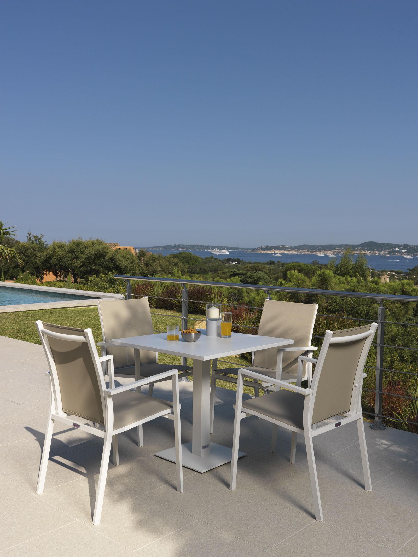 Maiorca table+armchair (2) _web
