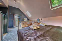 Excellent King Bedroom