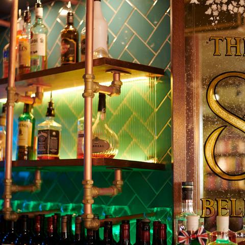 Eight Bells, Saffron Walden, bar