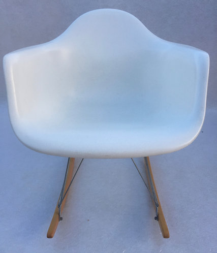 Eames Fiberglass RAR Rocking Chair
