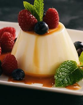 Italian dessert - panna cotta with berri