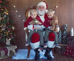 Santa Willie at Ruzin Cunningham Photography