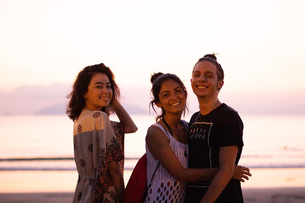 Raíssa, Camila e Luiz estão lindos, mas o mar virou farinha de trigo? | Gabriel Juan Fotografia