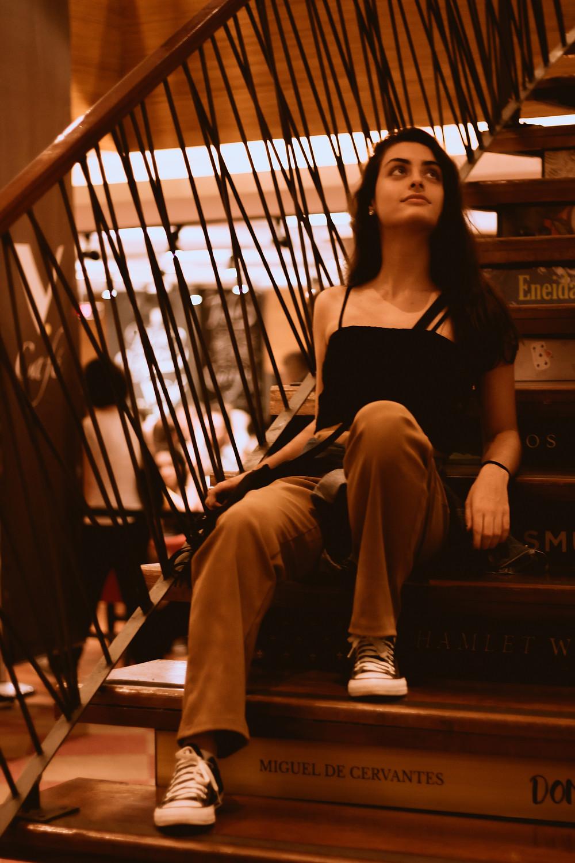 Beatriz cursa Letras na USP e decidiu fazer suas fotos na Livraria Cultura da Avenida Paulista | Gabriel Juan Fotografia