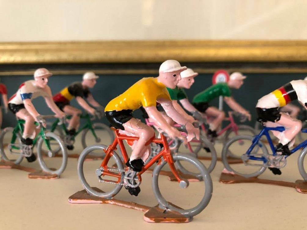 ALI 14-4 SHELFIE CYCLES.jpg