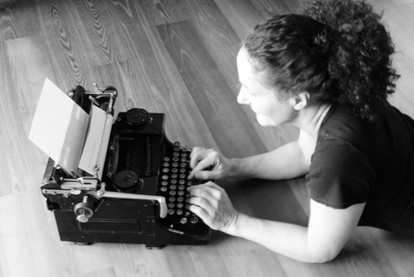 Kollegin Schreibmaschine