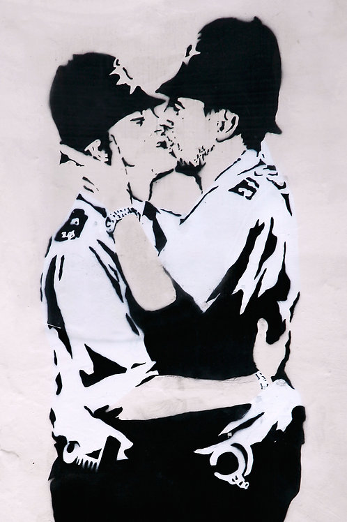 Banksy Kissing Kops