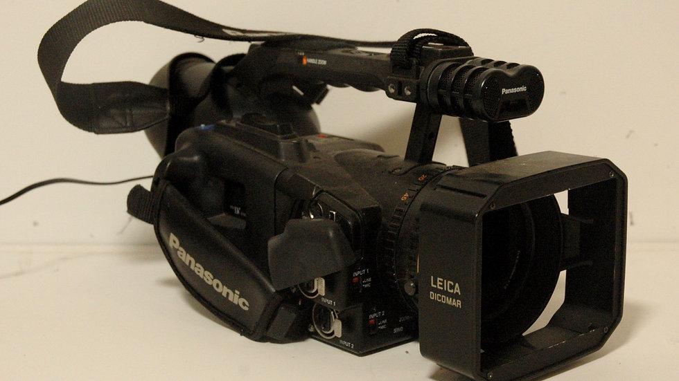 Panasonic AG-DVX100A Digital Camcorder