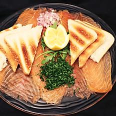 Assiette de saumon fume extra doux et ses toasts