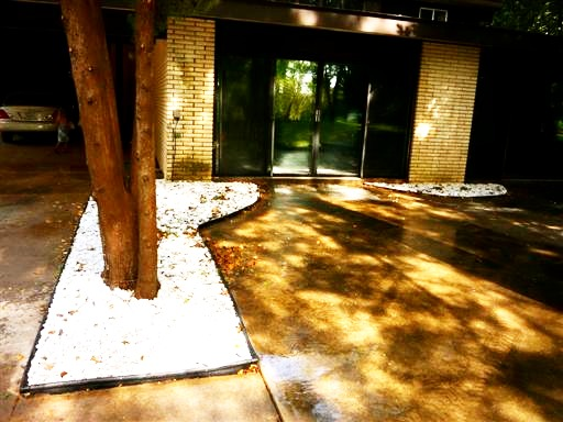 Landscape Rock And Mulch Beds