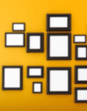 frames%2520lijstjes%2520op%2520gele%2520muur_edited_edited.jpg