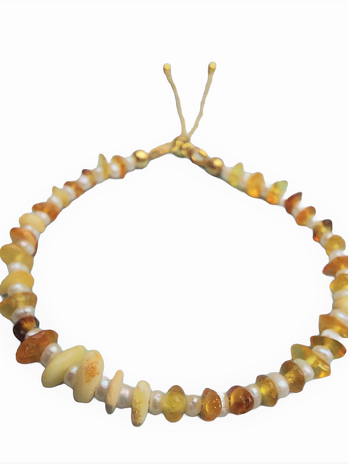 Silver bracelet with baltic amber and white pearls GILDED