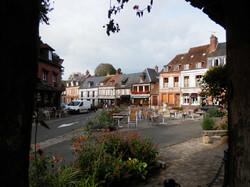 La place Benserade vue de la halle