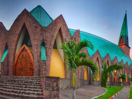 Basilique Saint-Anne-du-Congo, Brazzaville