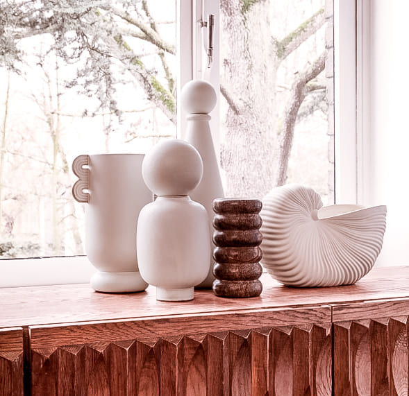 weißer Shell Pot in Muschelform von ferm living über connox