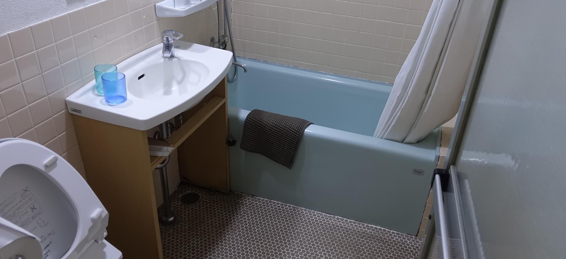 19号室の浴室