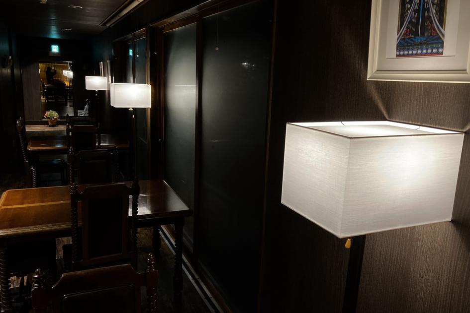 レストランにも新照明です
