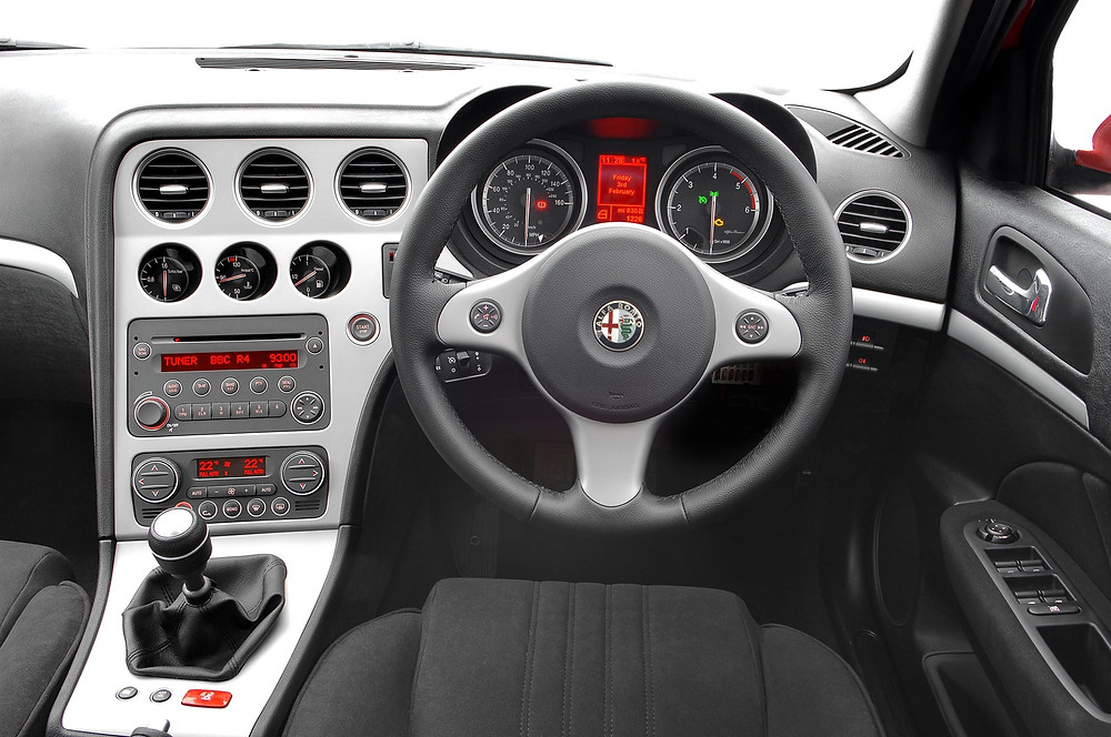 car review alfa romeo 159 2.2 jts interior