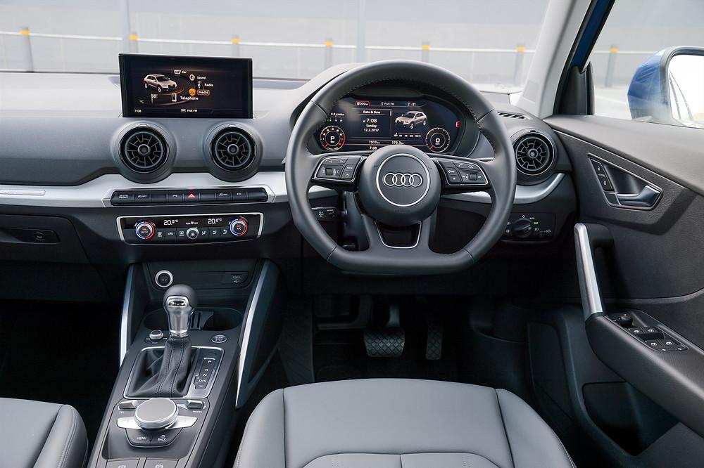 car review audi q2 interior