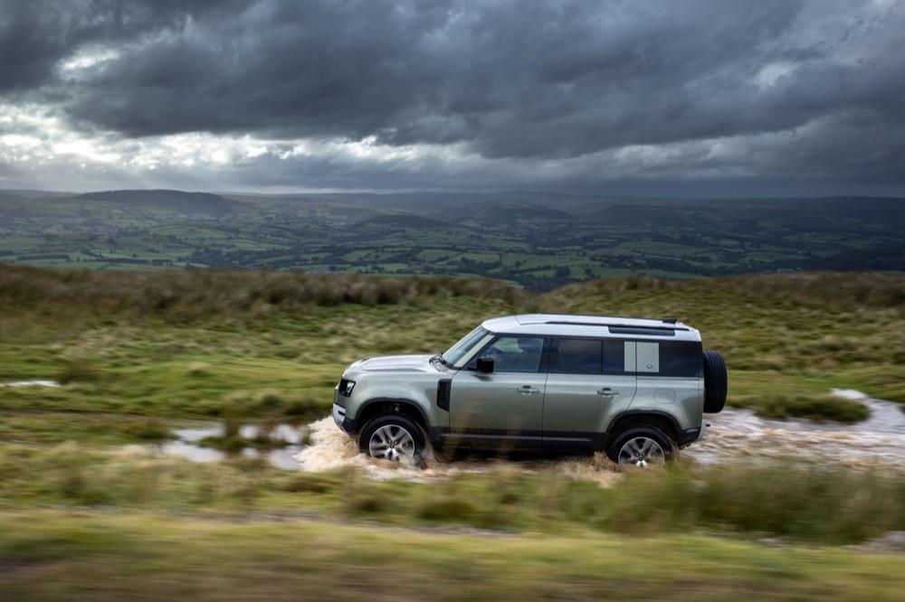 Land Rover Defender PHEV