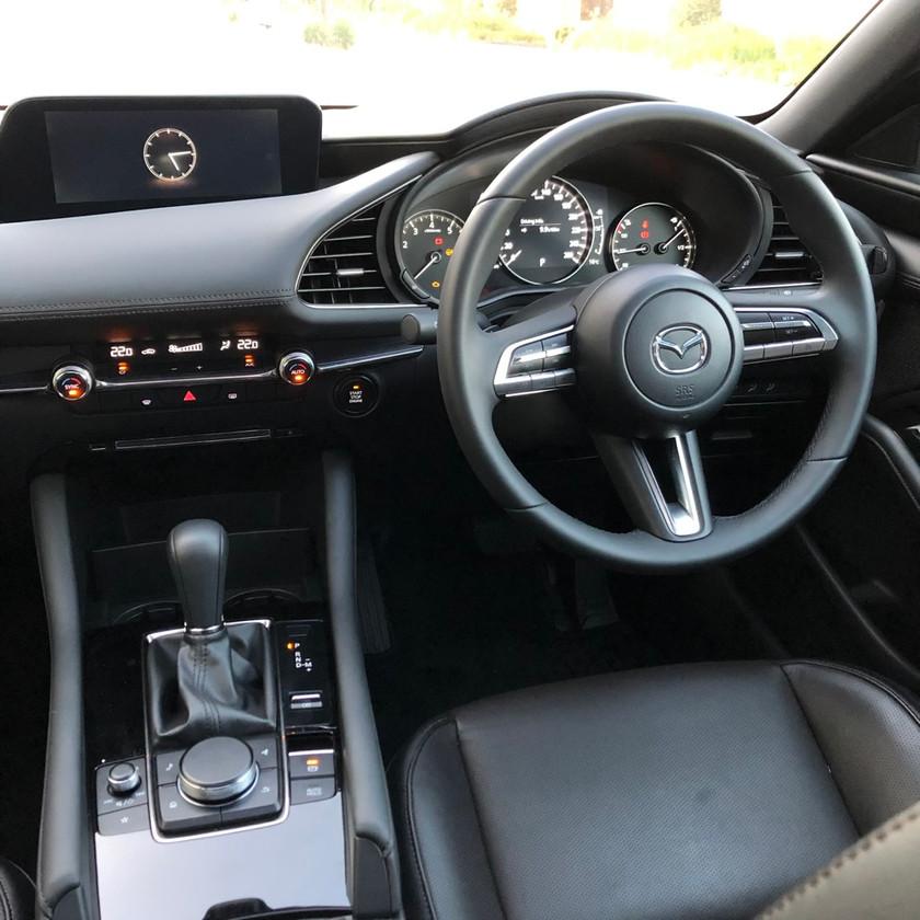 car review mazda 3 hatch