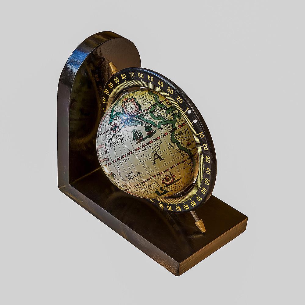 globe isolated.jpg