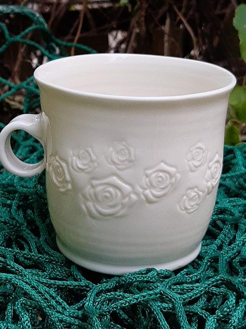 Hrnek porcelánový s růžemi