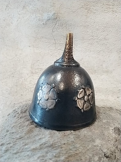 Helmička malá s reliéfem pětilisté růže, Ø60mm