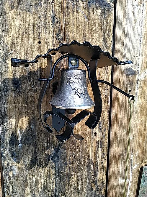 Zvonice kudrnatá s reliéfem koní, Ø90mm
