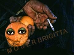 TÜR Hände+Orangen1.jpg