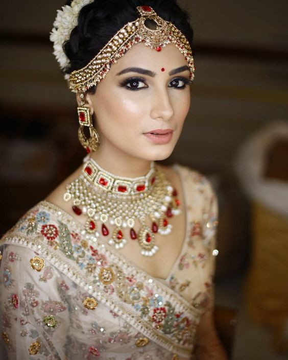 Dewy Bridal Make-up. Img. Source - Pinterest