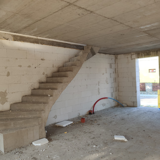 Betonové schodiště a strop, Čebín