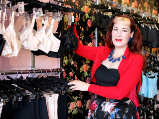 Meet Katie from What Katie Did & How to Complete a 1950s Look!