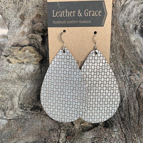 Silver Patterned Giant Drops