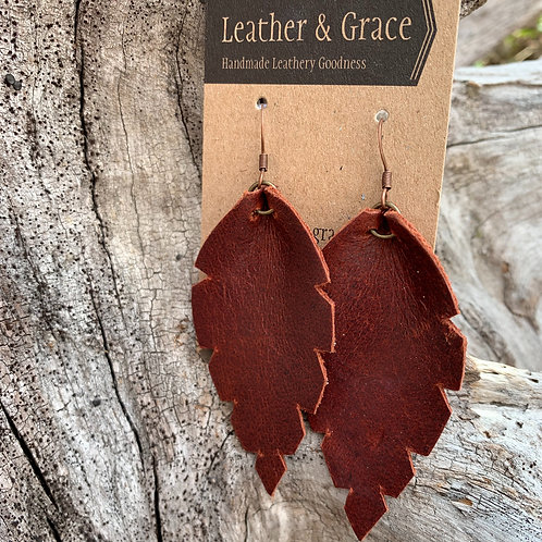 Pinched Leaves in Medium Brown
