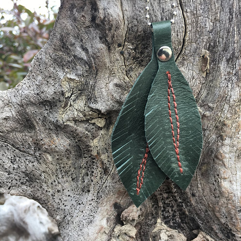 Double Green Feathers Necklace